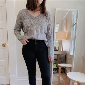 GAP U-neck sweater